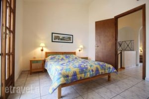 Lakonia Bay_travel_packages_in_Peloponesse_Lakonia_Archaggelos
