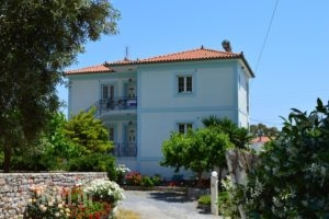 Troumpas Family_accommodation_in_Apartment_Peloponesse_Arcadia_Leonidio