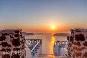Ilioperato_accommodation_in_Hotel_Cyclades Islands_Sandorini_Imerovigli