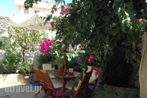 Twin House_best deals_Hotel_Piraeus Islands - Trizonia_Spetses_Spetses Chora