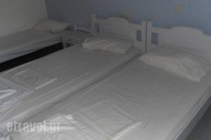 Ninettas Studios_accommodation_in_Apartment_Piraeus Islands - Trizonia_Poros_Poros Rest Areas