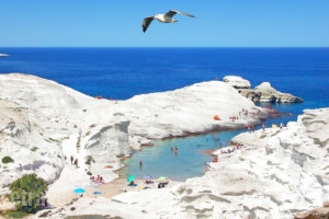 Srakiniko beach-Milos, Travel catalog, tourist guide, catalogue,etravel.gr
